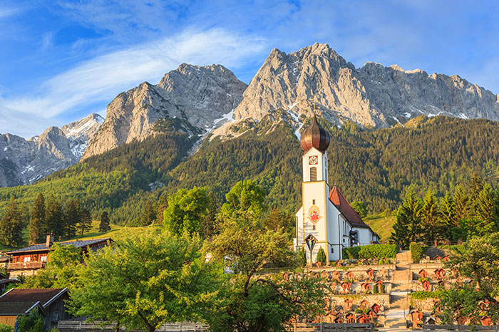 germany-garmisch-partenkirchen-zugspitse-mountain