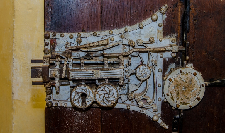 Thirteen lock mechanism, Church of Biertan
