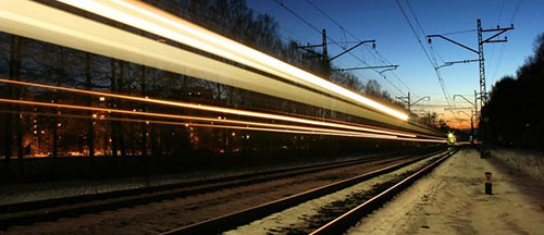 night-train-long-exposure-image