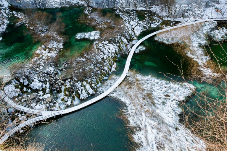 plitvice-lakes-croatia-winter