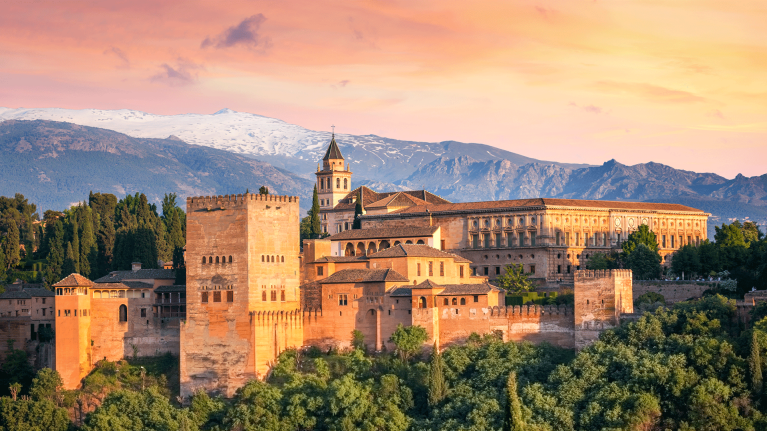 spain-granada-the-alhambra-at-sunset