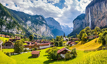 switzerland-lauterbrunnen-view-of-the-valley-sunny-day