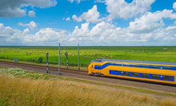 dutch-train-in-green-fields-small